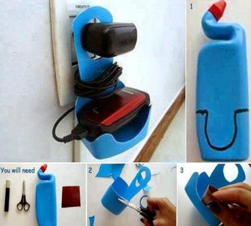 Ide Membuat Tempat Charger HP dari Botol Bekas