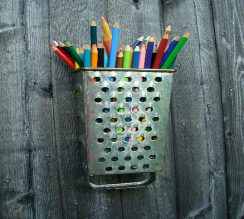 tempat pensil unik dari barang bekas