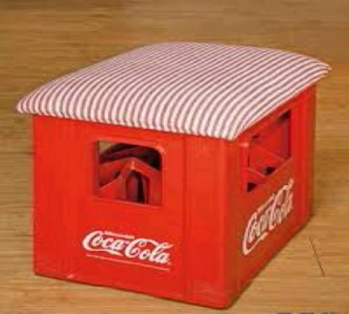 Kursi daur ulang krat botol minuman (wadah coca cola)