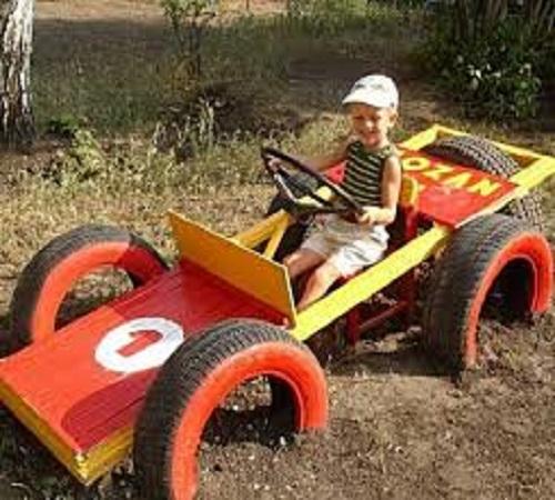 mobil mainan ban bekas