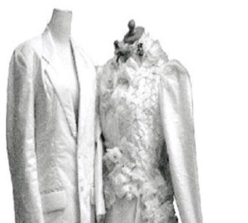 gaun pengantin dari plastik kresek