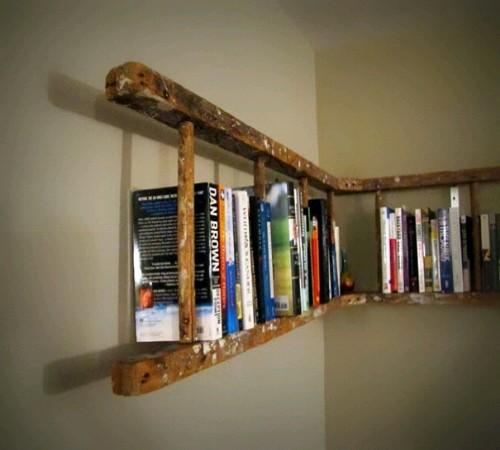 rak buku daur ulang tangga
