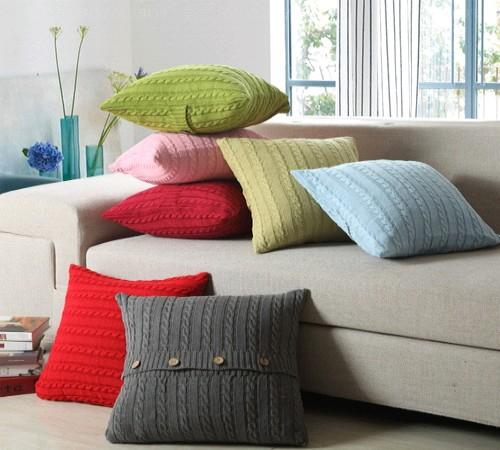 sarung bantal sofa sweater bekas