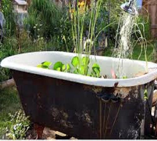 por bunga dari bathtub bekas