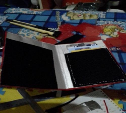 dompet kartu flanel dan karton bekas 1