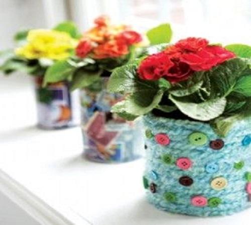 pot bunga rajutan sweater dan kancing baju