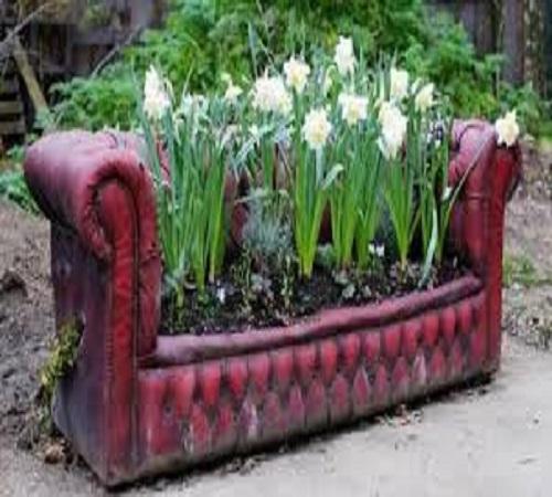 pot bunga dari sofa bekas