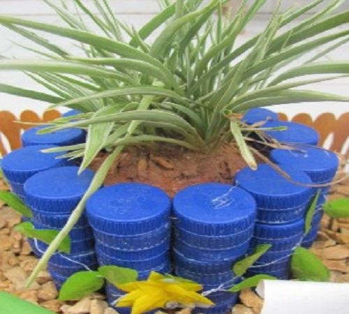 pot bunga dari tutup botol plastik