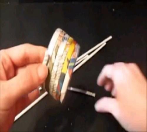 gelang dari kertas bekas 2