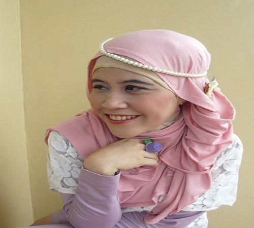 Headband Jilbab Simple dan Mudah dari Mutiara