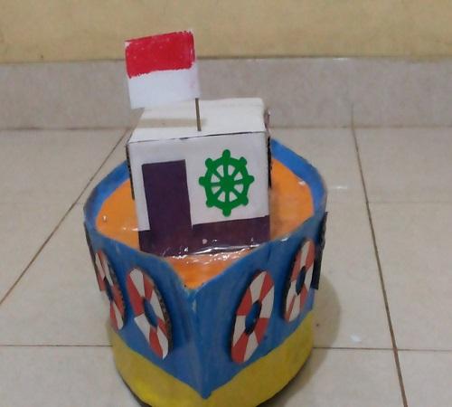Mainan Anak Bentuk Kapal dari Kardus Bekas 3