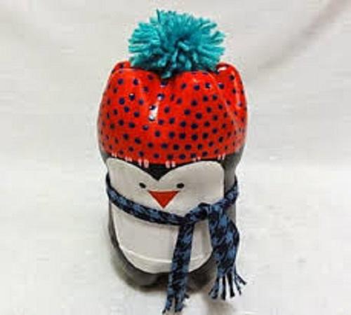 Membuat Pajangan Boneka Pinguin dari Botol Soda Bekas