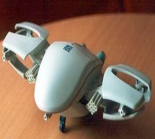 daur ulang mouse bekas menjadi pesawat