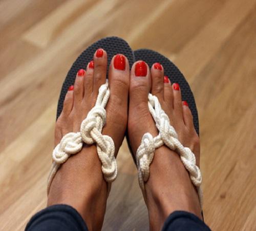 cara-menghiasi-sandal-jepit
