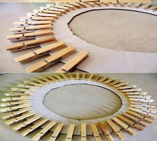 Pigura unik dari jepit kayu jemuran baju dan kardus bekas 1