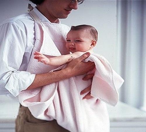 Celemek Handuk Mandi atau Bath Towel Apron untuk Si Buah Hati